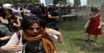 این دختر عامل انقلاب اخیر ترکیه است +عکس
