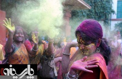 تصاویر جالبی از جشن رنگ در هند
