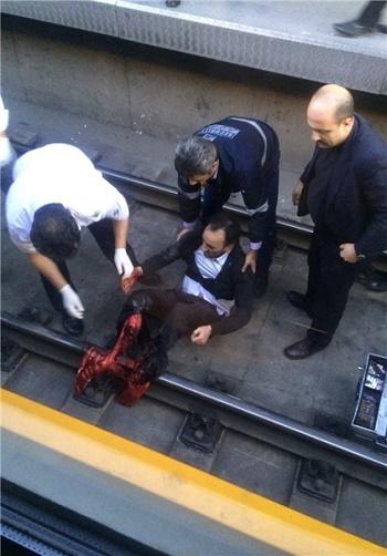 خودکشی نافرجام در مترو به قطع دو پا انجامید+(عکس 18+)