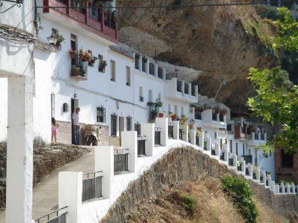 132489 878 شهر زیر سنگ در اسپانیا