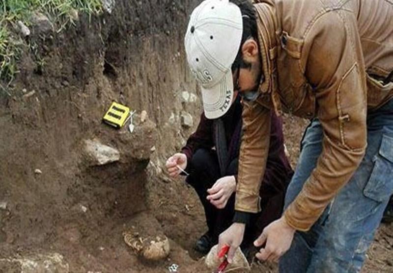 کشف اجساد ۱۸۰۰ ساله در لرستان +تصاویر