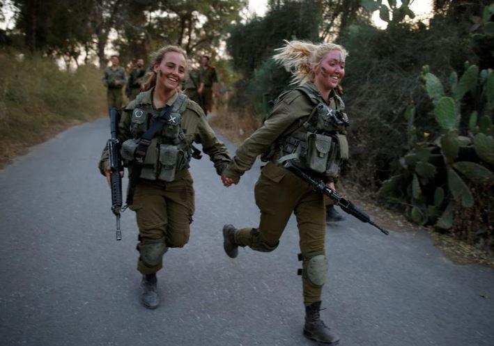 سربازی دختران در اسرائیل,دختران سرباز رژیم صهیونیستی,دختران ارتش اسرائیل,دختر اسرائیلی,دختر خوشگل اسرائیلی,دختر شایسه اسرائیل