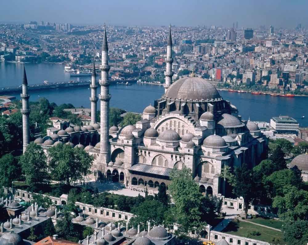 چرا-ترکیه-برای-توریست-ها-جذاب-تر-از-ایران-است؟