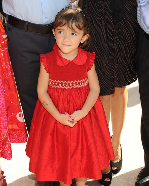 همسر آنجلینا جولی عکس بچه پولدار خارجی شاهزاده انگلیس خانواده آنجلینا جولی بیوگرافی نیک دالیسیو بچه پولدار اسامی ثروتمندان جهان