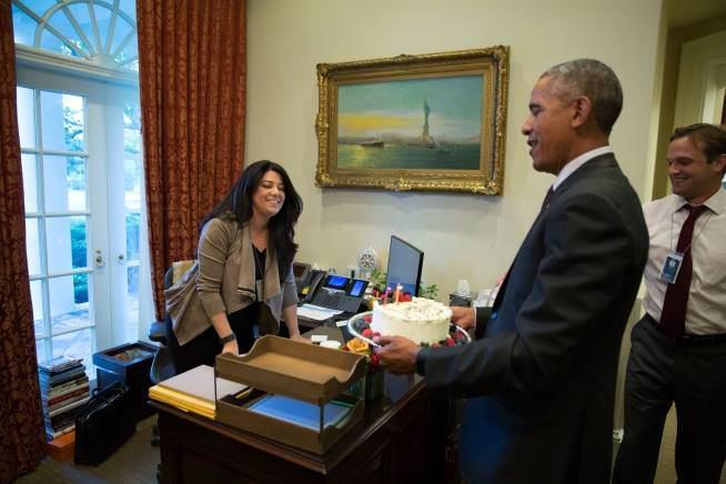 کیک اوباما برای تولد دستیار ایرانی اش