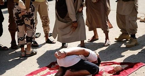 داعش مرد سوری را به جرم رابطه نامشروع سنگسار کرد(تصاویر+13)