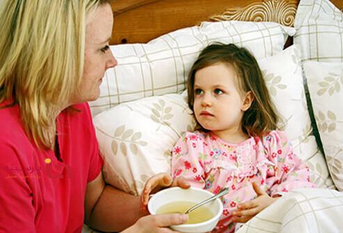چند توصيه مهم براي درمان كودك سرماخورده
