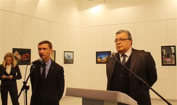 سفیر روسیه در آنکارا با۲۲ گلوله کشته شد +تصاویر