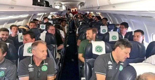 سقوط هواپیمای حامل بازیکنان فوتبال برزیل+تصاویر