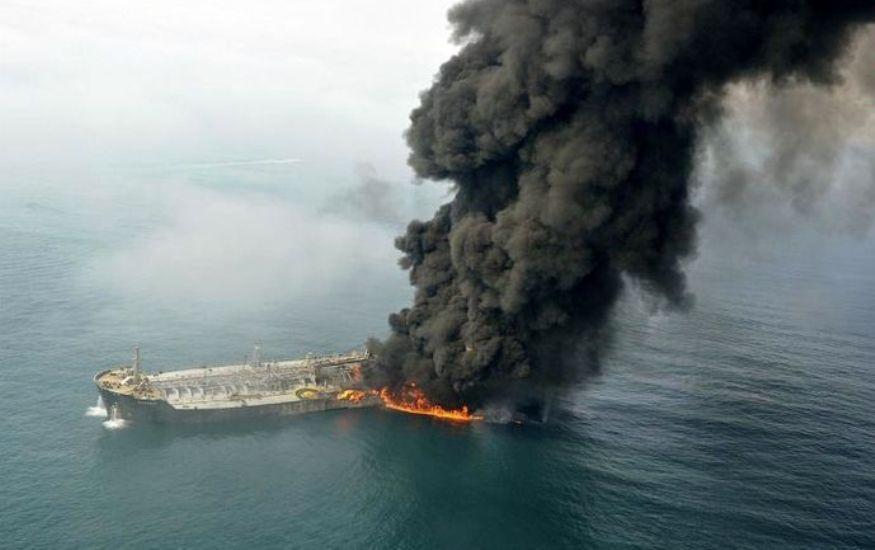 دستور ویژه روحانی به ۳ وزیر درباره سانحه نفتکش «سانچی»