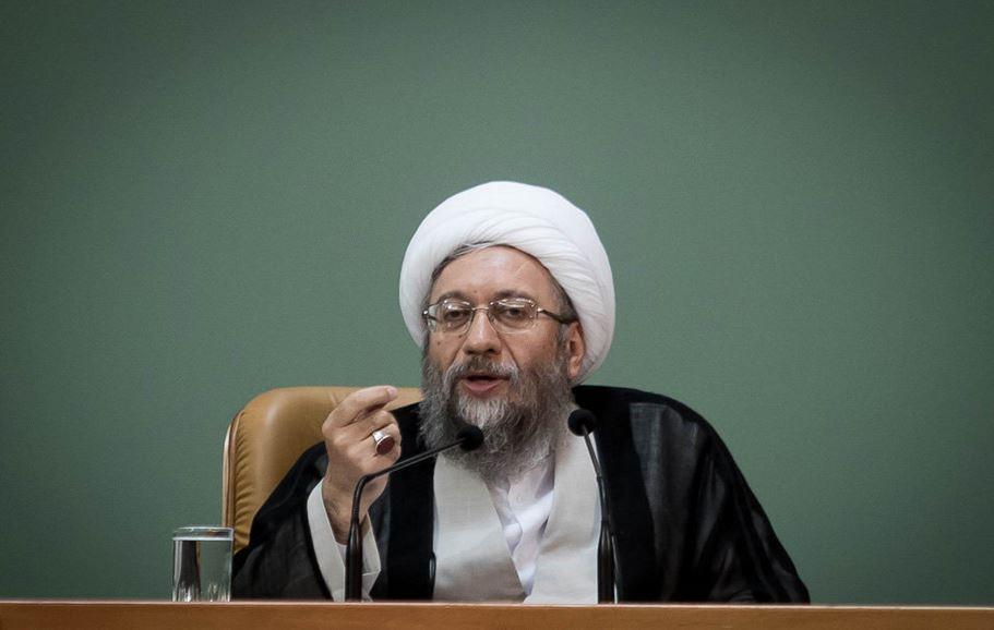 واکنش آملی لاریجانی به موضوع تحریم وی توسط دولت آمریکا تحریم خود از سوی دولت آمریکا را افتخار میدانم