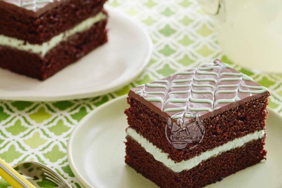کیک بستنی با روکش شکلاتی