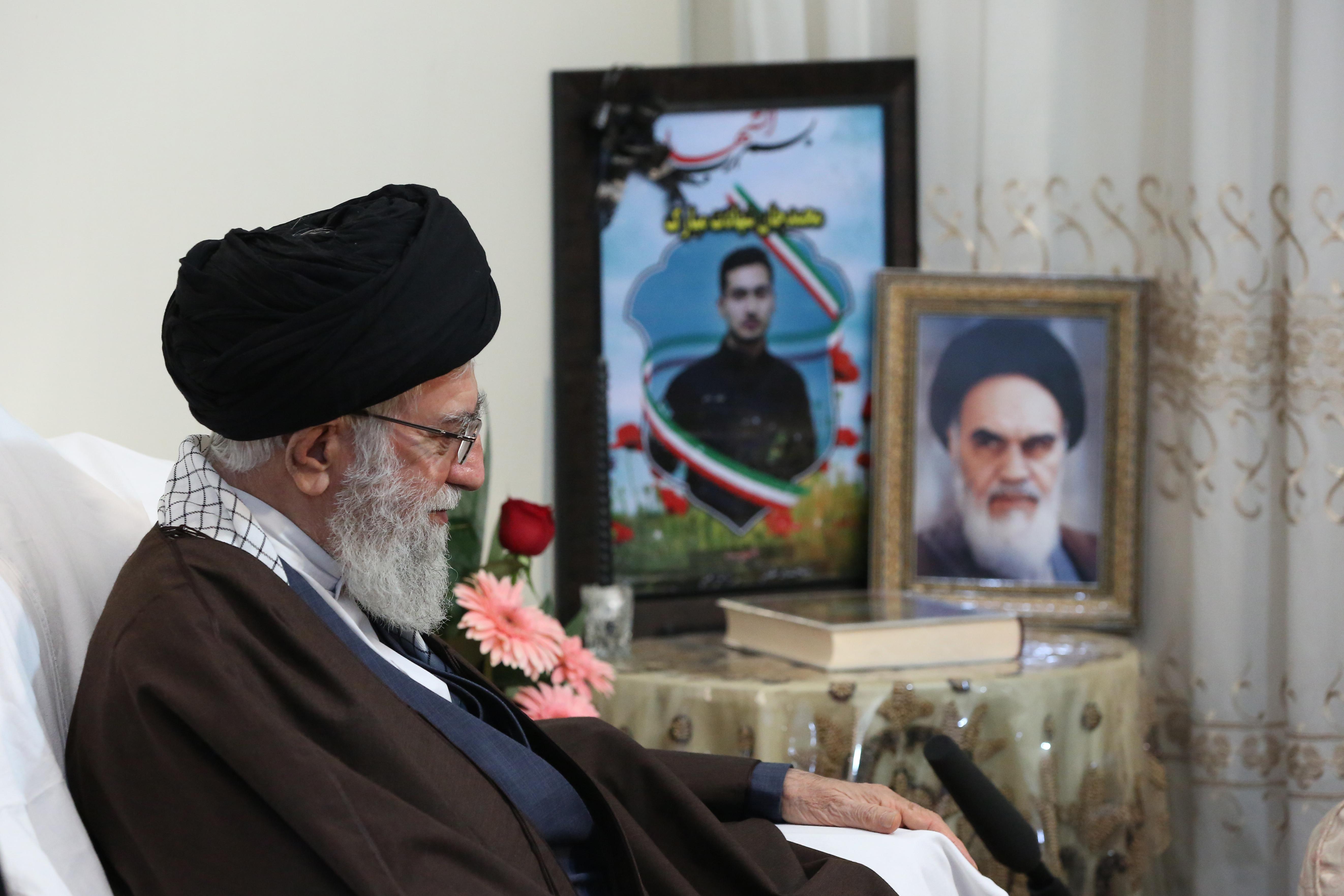 حضور در منزل شهید بایرامی از شهدای ناجا