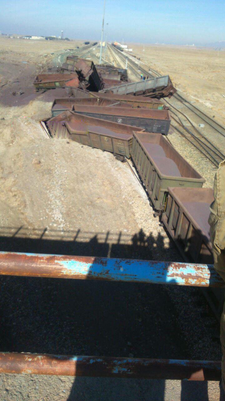 واژگونی قطار باری در ایستگاه دیزباد نیشابور + جزئیات