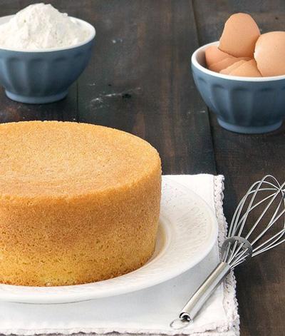 کیک اسفنجی؛ کیکی ساده