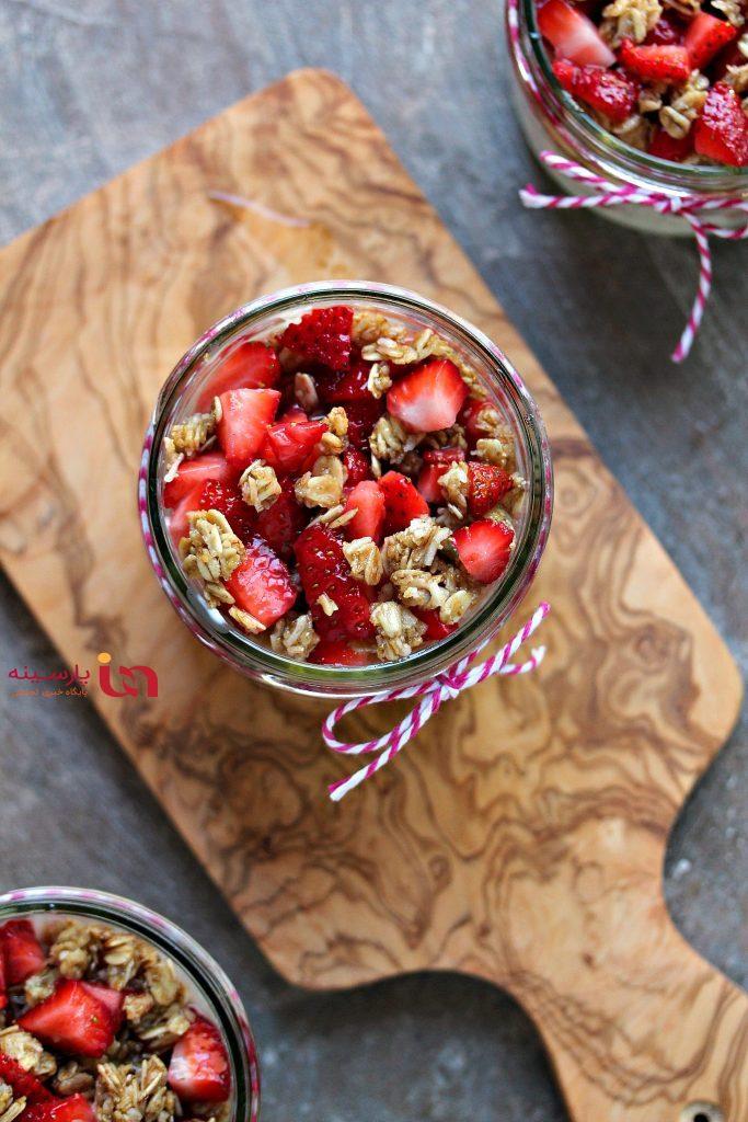 پارفیت توتفرنگی و موز، یک دسر بهاری جذاب