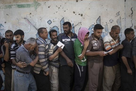 هنوز صدها غیرنظامی در غرب موصل گرفتار هستند