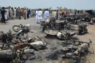انفجار تانکر سوخت در پاکستان ۱۴۰ کشته برجای گذاشت