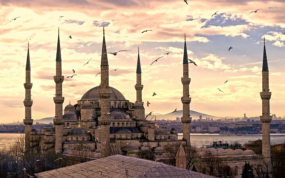 ۲۴۰۰ میلیارد تومان؛ هزینه سال ۲۰۱۶ ایرانیها در استانبول