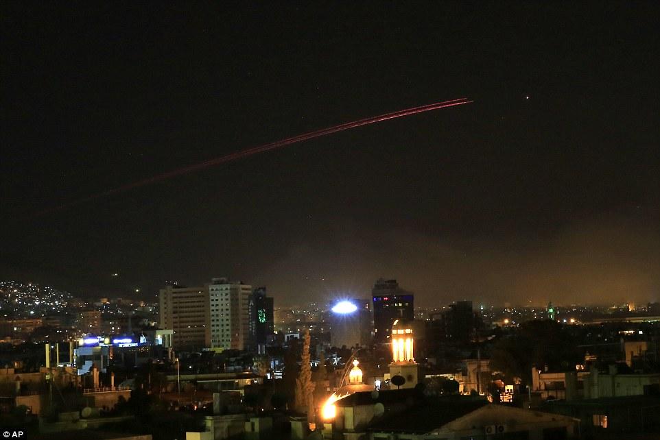 دفع حملات توسط پدافند هوایی سوریه /پایان عملیات سه جانبه