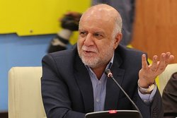 زنگنه: بر سر صادرات نفت با کسی مذاکره نمیکنیم