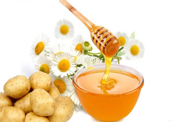 درمان لک صورت با عسل؛ روش مناسب برای رفع لکههای پوستی