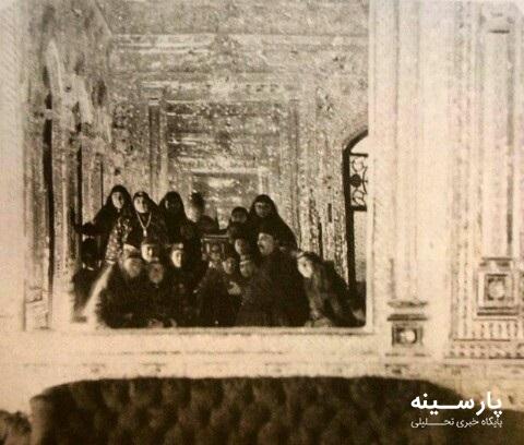 سلفی جالب ناصرالدین شاه با همه همسرانش +عکس