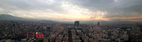 نمای جالب از شرق و غرب تهران از طبقه ۱۸ بانک مرکزی