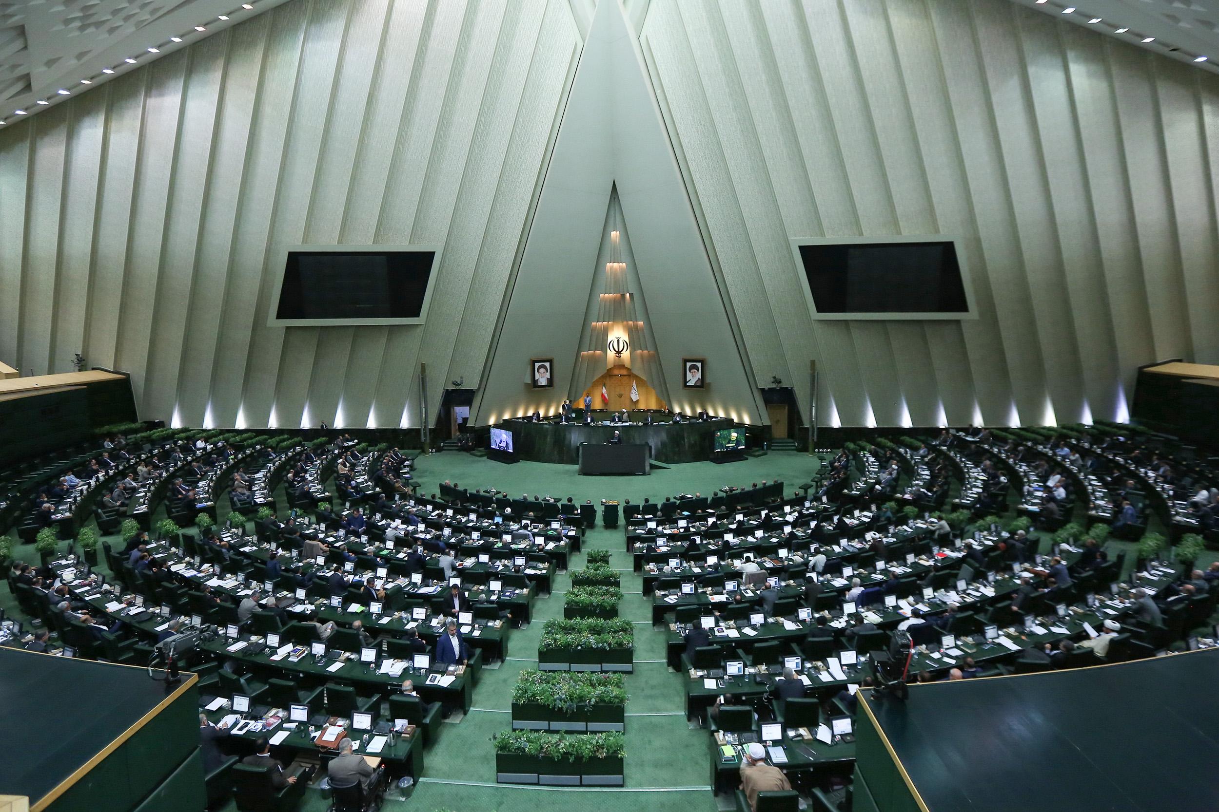 مرکز پژوهش های مجلس از عدم واریز پول به صندوق توسعه ملی خبر داد