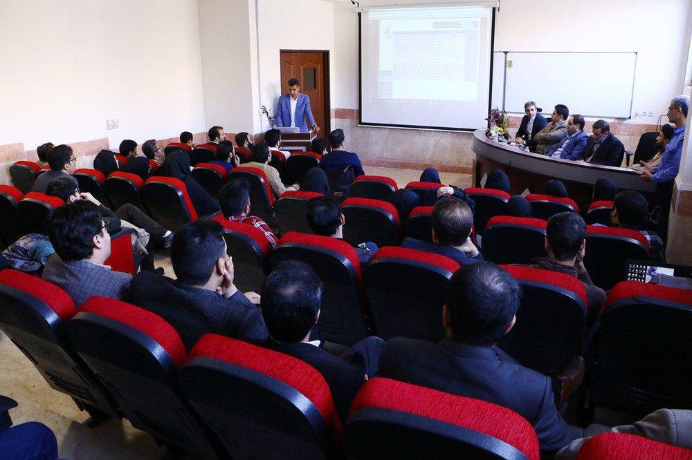 عادل فردوسیپور در جلسه دفاع دکترا+عکس
