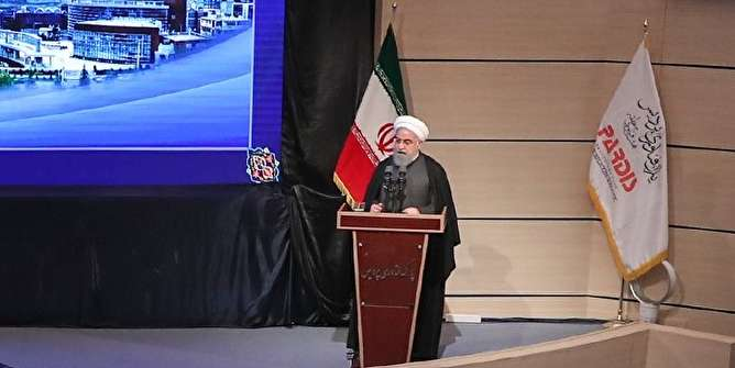 روحانی: هر کشوری دور خود دیوار بکشد نابود میشود/ آن میزان آزادی که ۵۰-۴۰ سال گذشته در حوزه وجود داشت، الان هم در دانشگاه نیست