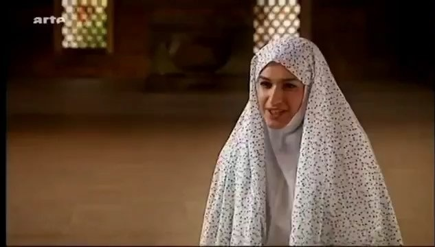 مجری BBC: تا ۲۴ سالگی نماز شب میخوندم و دعای کمیل میرفتم