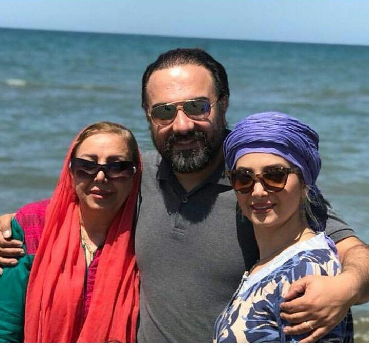 زندگینامه مهران قربانی برزو ارجمند با همسر و مادرش