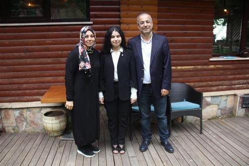 دختر ۱۸ ساله جوانترین نامزد انتخابات ترکیه+عکس