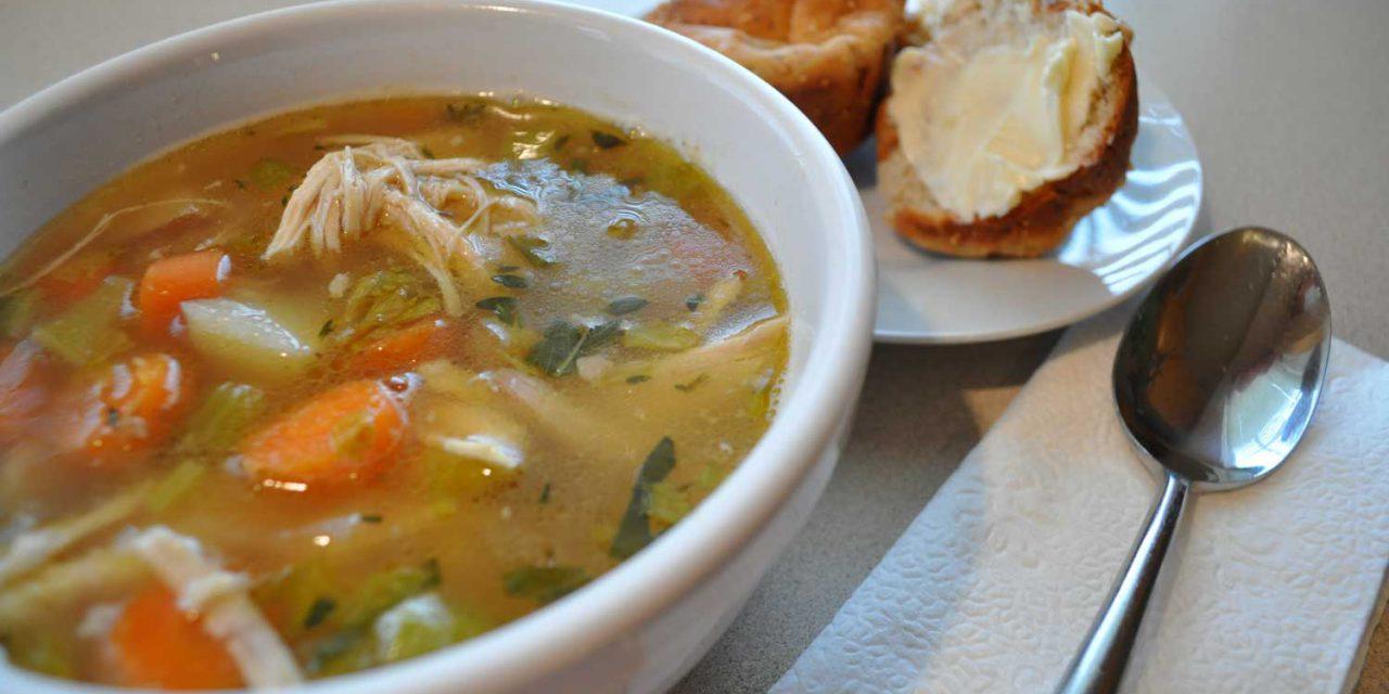 طرز تهیه سوپ رژیمی مرغ و سبزیجات