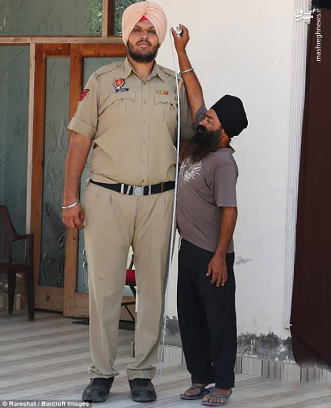 قدبلندترین افسر پلیس جهان! +عکس