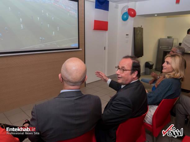 اولاند و معشوقه اش درحال تماشای فوتبال+تصاویر