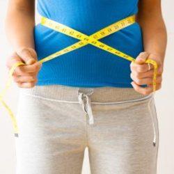 بهترین تمرینات ورزشی برای آب کردن چربیهای شکم در منزل