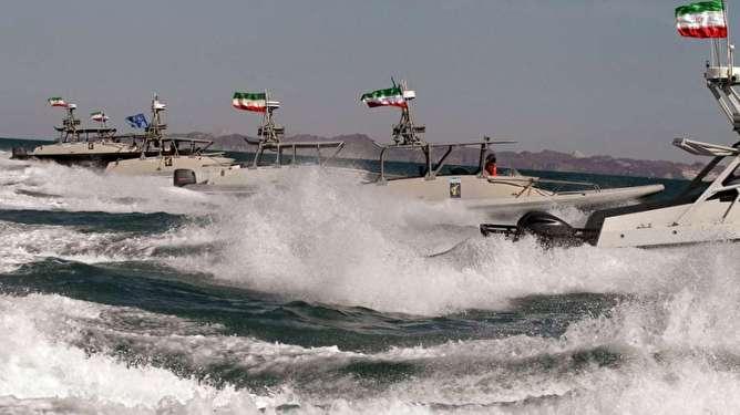 تحرک نظامی «رزمایش نظامی» بزرگ ایران در خلیج فارس