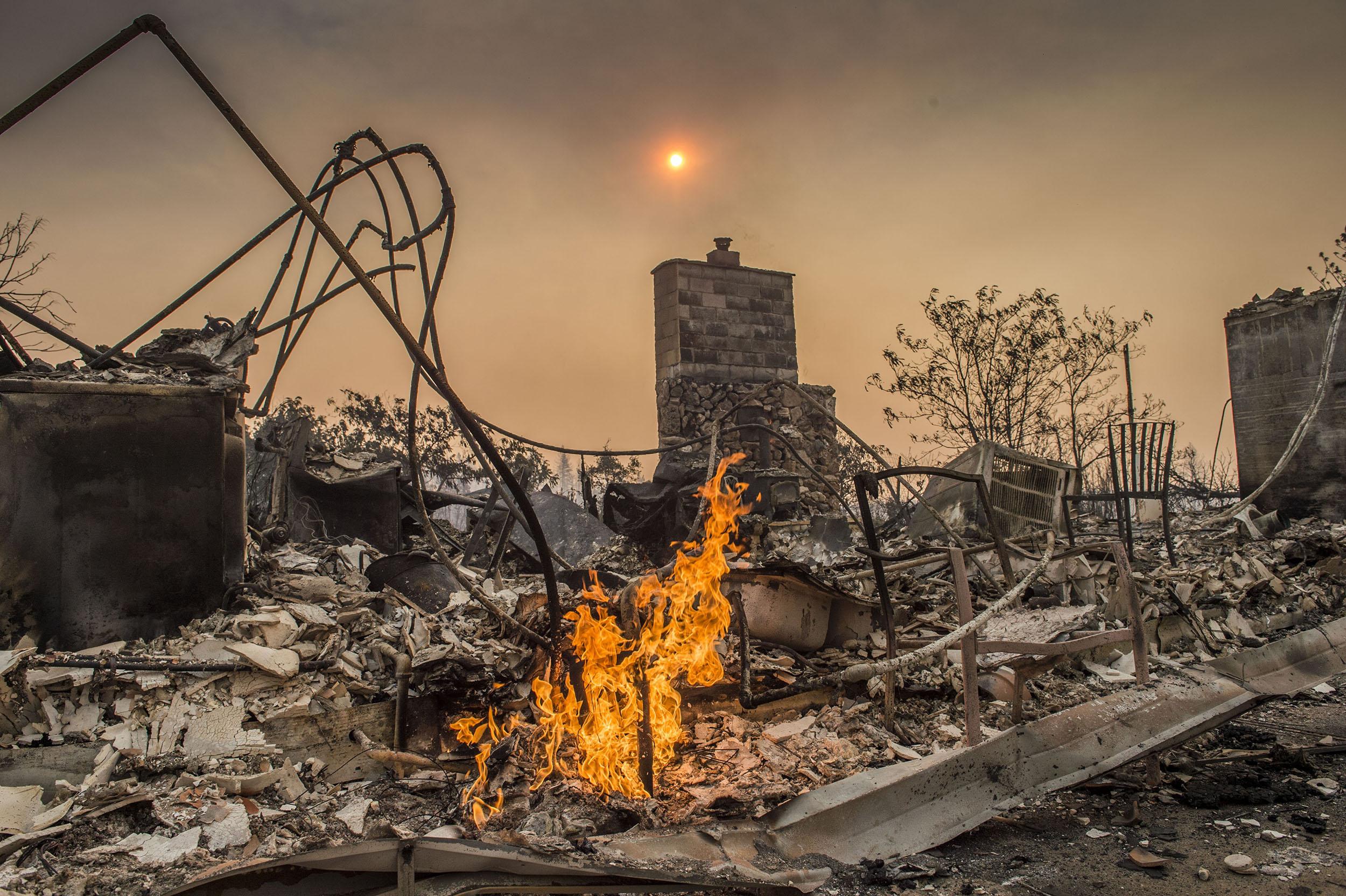 عظیم ترین آتش سوزی تاریخ کالیفرنیا / اعزام نیروی کمکی از استرالیا و نیوزیلند