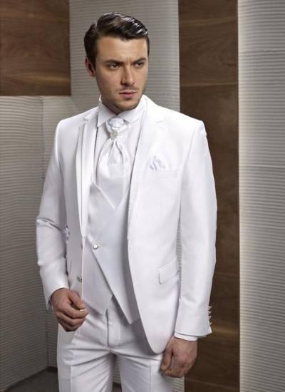 مدل کت و شلوار دامادی سفید شیک
