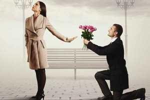 در جواب دوستت دارم کسی که دوستش نداریم چه بگوییم؟