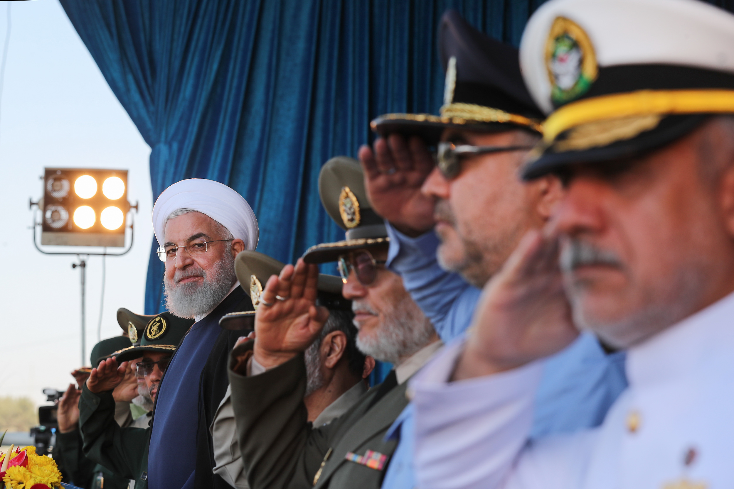روحانی در مراسم رژه نیروهای مسلح: