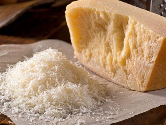 آشنایی با سه نوع پنیر و موارد مصرف آنها در غذا