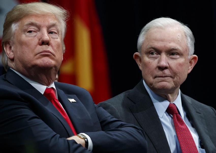«جف سشنز» وزیر دادگستری آمریکا به دستور ترامپ کناره گیری کرد