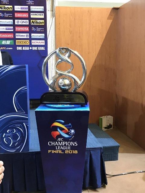 کاپ قهرمانی در ورزشگاه آزادی +عکس