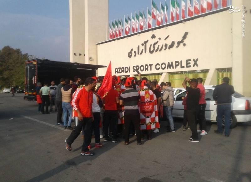 هواداران پرسپولیس به ورزشگاه آمدند! +تصاویر