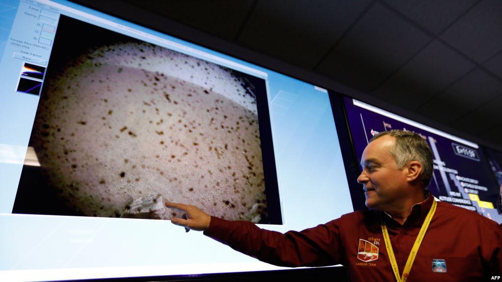 از مهلت فیفا به ایران برای صدور مجوز حضور زنان در ورزشگاه تا فرود کاوشگر ناسا بر سطح مریخ