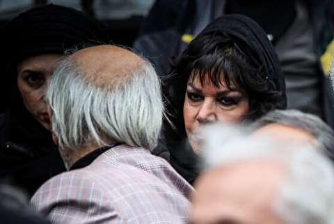 چهره متفاوت از فرزانه کابلی در مراسم تشییع استاد مشایخی