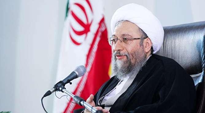 آملی لاریجانی: بلایای طبیعی در نگاه توحیدی اسباب تربیت نفوس است/ آحاد ملت پشتیبان سپاه پاسداران انقلاب اسلامی هستند